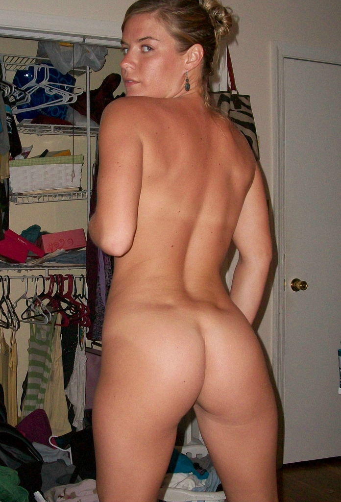 wife and daughter nude