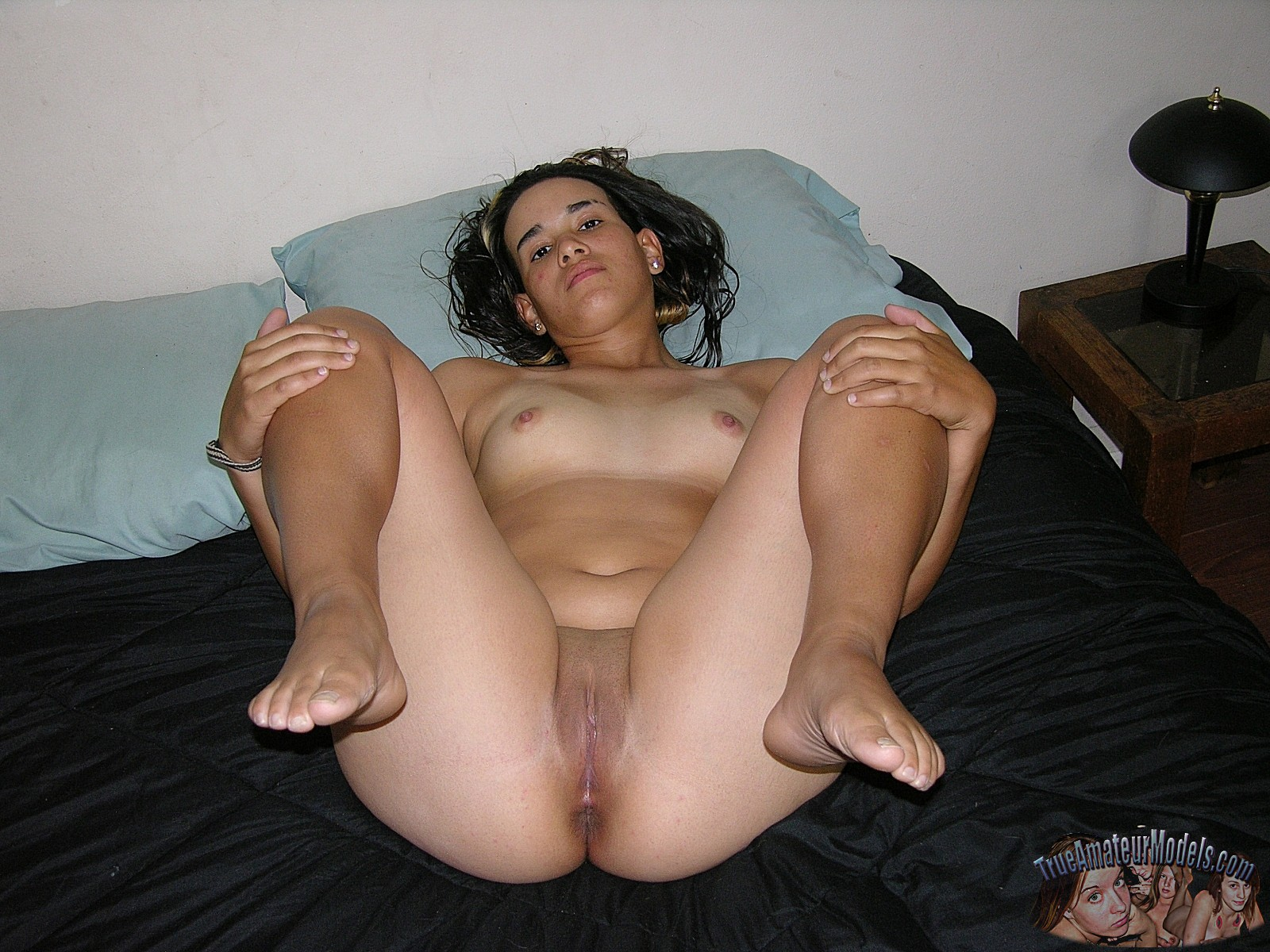amateur puerto rican naked girl