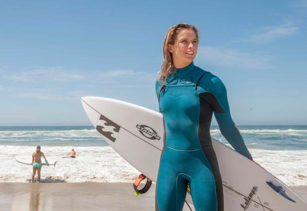 professional female surfers naked